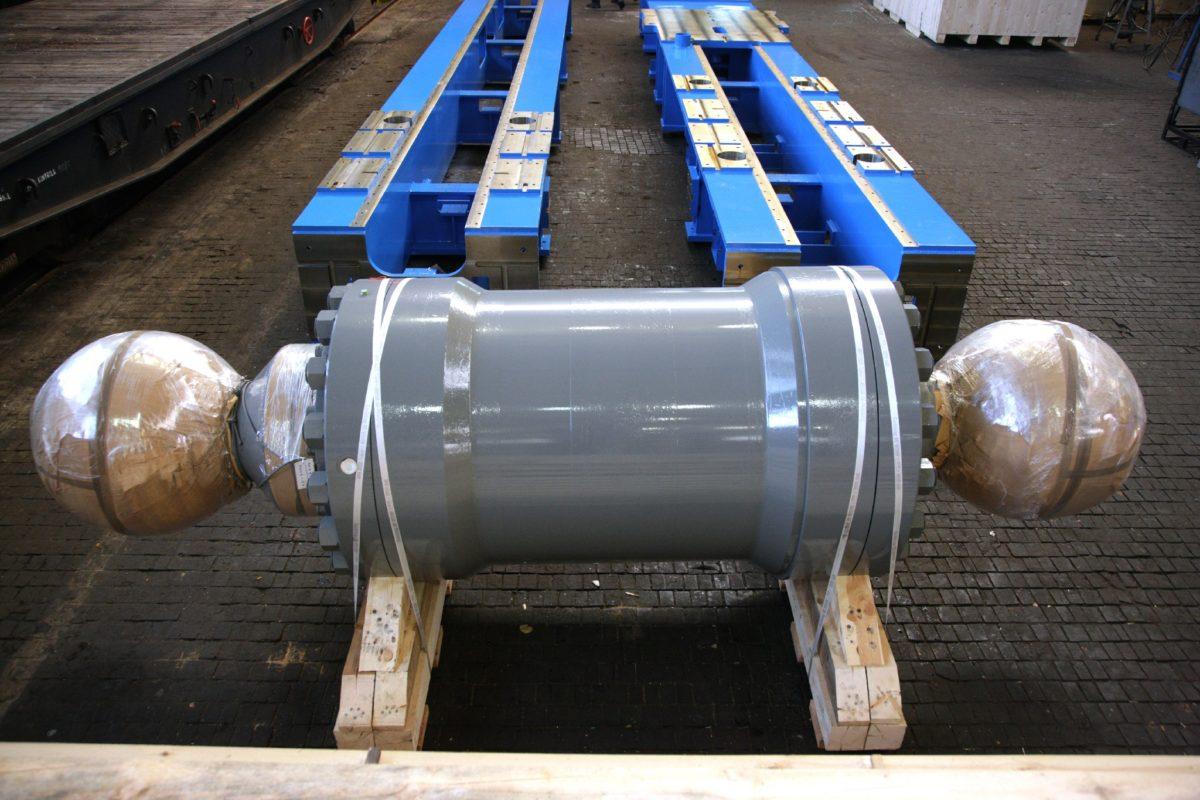 zdas-tezebni-prumysl-01-hydraulicke-valce